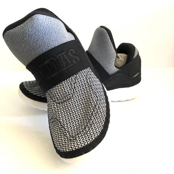 10de0de40 Brand new Adidas Cloudfoam Ultra Zen boys size 6
